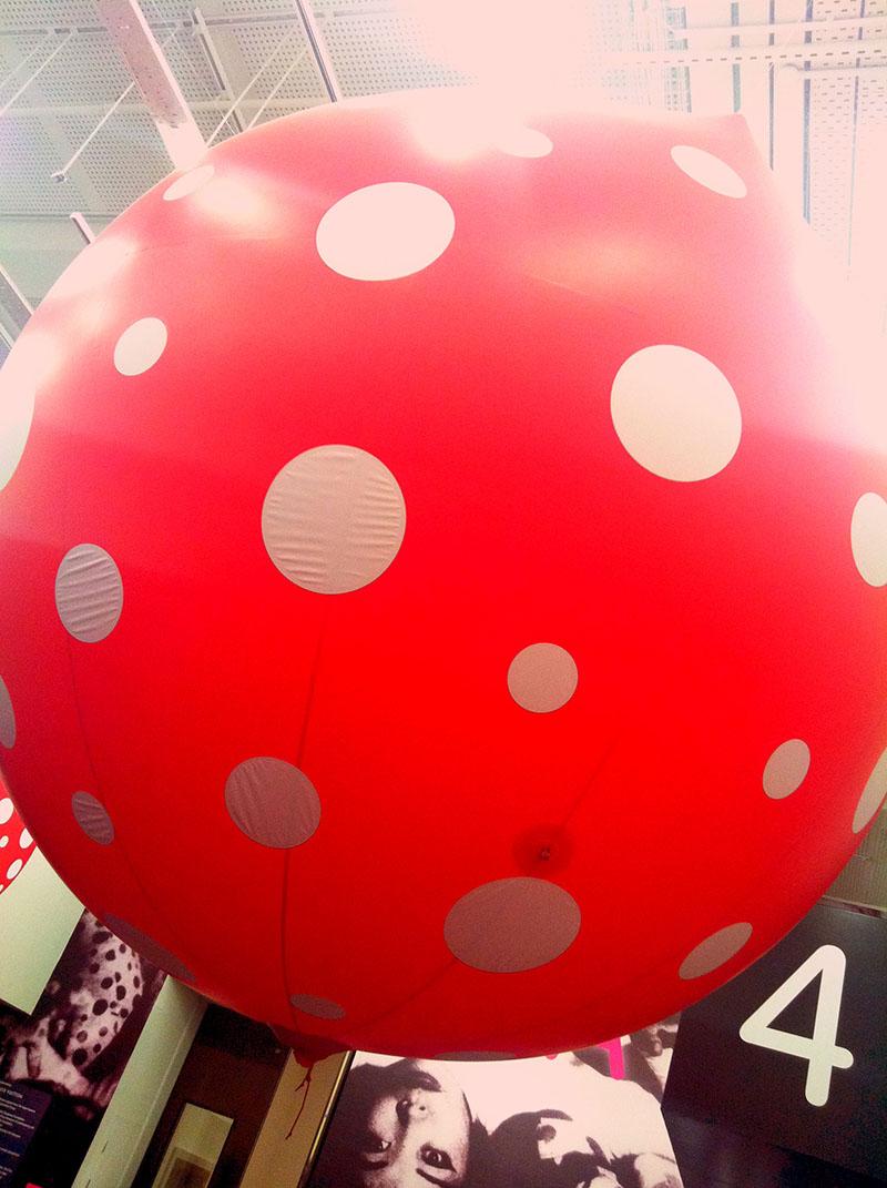 Inflated polka dots at the entrance